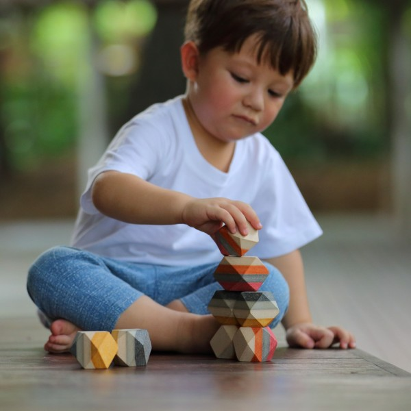 Rocce equilibriste in legno Plan Toys